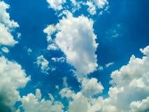 sole di cielo del cielo della nuvola un il giorno Immagini Stock Libere da Diritti