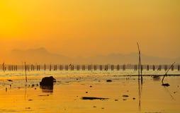 Sole e mare di mattina immagini stock