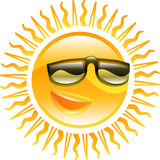 Sole sorridente con l'illustrazione degli occhiali da sole Immagine Stock