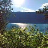 Sole sul lago di estate Immagini Stock Libere da Diritti
