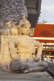 Sole sulla statua tailandese del gigante di stile Fotografia Stock Libera da Diritti