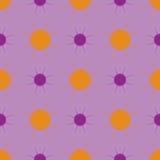 Sole viola ed arancio su un fondo porpora Reticolo senza giunte Fotografia Stock
