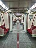 soledad en un coche de subterráneo Imagenes de archivo