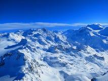 Soleil au-dessus des Alpes suisses Photos libres de droits
