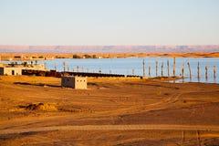 soleil dans le désert de jaune de lac de la dune du Maroc Photos stock