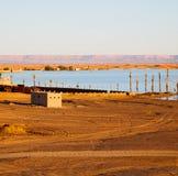 soleil dans le désert de jaune de lac du sable et de la dune du Maroc Photographie stock