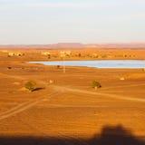 soleil dans le désert de jaune de lac du sable et de la dune du Maroc Photo stock