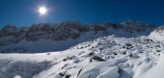 Soleil de panorama de l'hiver Images stock