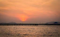 Soleil Levant au-dessus du pilier, phuket, Thaïlande Images libres de droits