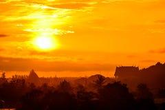Soleil Levant pendant le matin Photographie stock