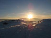 Soleil lumineux au crépuscule Photo libre de droits