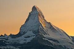 Solen reflekteras på väggarna av Matterhornen Royaltyfri Foto