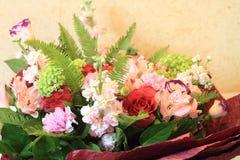 Solenny bukiet kwiaty dla pięknych dam, wiązka róże Obraz Stock