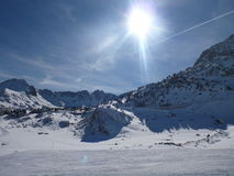 Solenoider y nieve en Grandvalira Arkivbilder