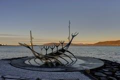Solfar或太阳航海者纪念碑在雷克雅未克,冰岛 免版税库存图片