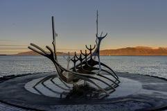 Solfar或太阳航海者纪念碑在雷克雅未克,冰岛 免版税图库摄影