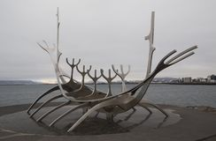 Solfar - ταξιδιώτης ήλιων - γλυπτό Rejkjavik στοκ εικόνα με δικαίωμα ελεύθερης χρήσης