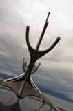 Solfar solresande är enorm stålskulptur av det viking fartyget Royaltyfri Bild