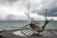 Solfar, viajero à ReykjavikIslande de The Sun Fotos de archivo libres de regalías