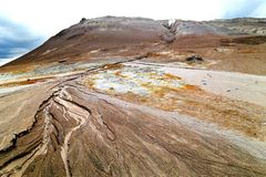 Solfataren i Hverir, Island Arkivfoton