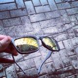 Solglasögon efter regnet Arkivbilder