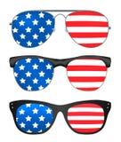 Solglasögon med den USA flaggan Royaltyfri Bild