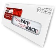 Solicitación Rate Cash Bac bajo del sobre de la letra de la oferta de la tarjeta de crédito Fotos de archivo