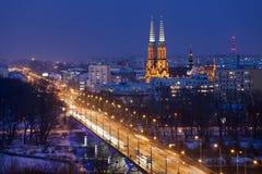 Solidaritetaveny och Praga District i Warszawa vid natt Royaltyfri Foto
