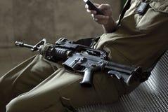 Solider com rifle Fotografia de Stock