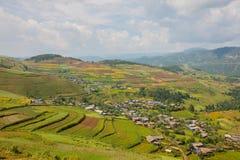 Solidità della montagna di nazionalità di Yi sulle scale Immagini Stock Libere da Diritti