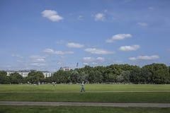 Solig dag i Hyde Park Royaltyfria Bilder