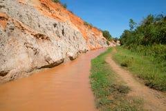 Solig dag på The Creek feer Närheter Phan Thiet Arkivfoto