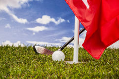 Solig dag på golffält Fotografering för Bildbyråer