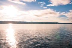Solig dag på havet Arkivbild