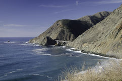 Solig dag på Stilla havet stora Sur Fotografering för Bildbyråer