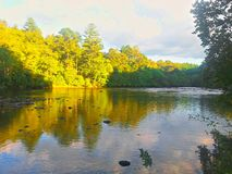 solig flod Royaltyfri Fotografi