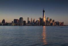 Solig horisont av New York arkivfoton