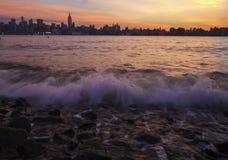 Solig horisont av New York Royaltyfri Fotografi