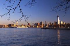 Solig horisont av New York Arkivfoto
