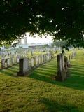 solig kyrkogård Arkivfoton