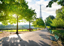 Solig morgon i Paris Fotografering för Bildbyråer