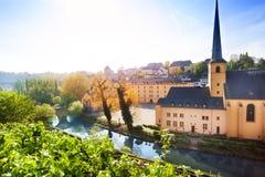 Solig sikt av Abbey de Neumunster i Luxembourg Arkivbilder