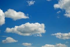 solig sky Arkivbild