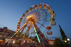 SOLIG STRAND, BULGARIEN - September 09, 2017 dragning i Luna Park Pariserhjul i aftonen Royaltyfria Bilder