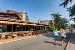 SOLIG STRAND, BULGARIEN - September 5, 2017: Sikt från gatan vid hotellet Baikal Royaltyfri Foto