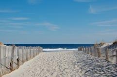 solig stranddag Arkivfoto