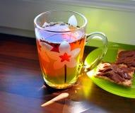 solig tea för kopp Arkivbild