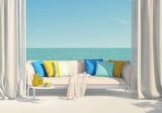 Solig terrass som förbiser havet Arkivfoton