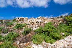 Soligt landskap av den norr delen av den Gozo ön på Malta Fotografering för Bildbyråer