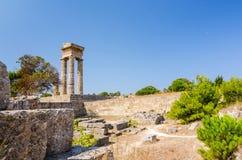 Soligt landskap för Apollo templeruins Fotografering för Bildbyråer